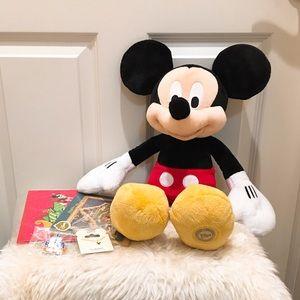 Disney Mickey stuff. Bunch. New. Christmas cards.